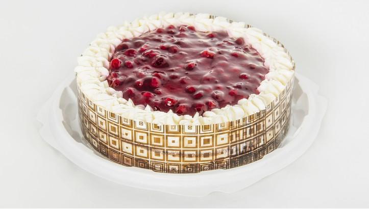 Торт «Снежная брусника»